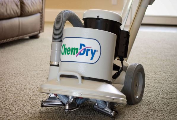 Dry carpet cleaning process on home floors